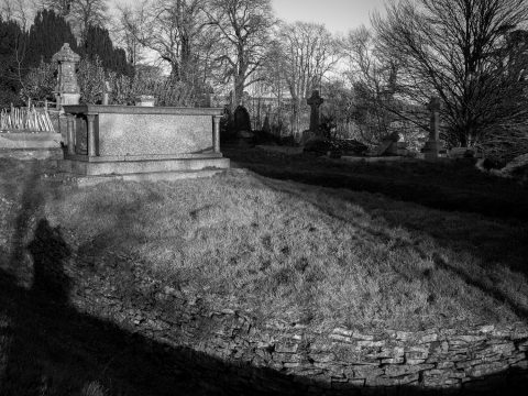 Beckford's grave is shaped like a rectangular, Egyptian sarcophagus, with miniature Egyptianesque pillars at either end. The grave is on an island, all by itself, within Lansdown cemetery, with a moat-like ditch around it.