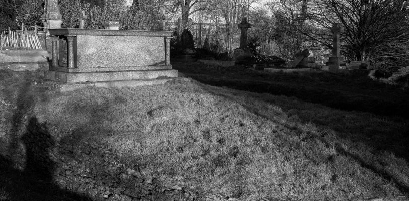 Beckford's grave is shaped like an Egyptian sarcophagus, with miniature Egyptianesque pillars at either end. The grave is on an island, all by itself, within Lansdown cemetery, with a moat-like ditch around it.